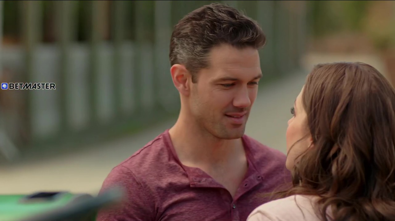 Download A Summer Romance Full Movie